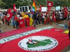 Protesto contra Temer é marcado por passeata e agressão em Palmas