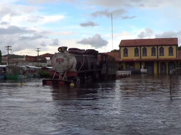 Em 2014, Guajará-Mirim sofreu com uma cheia histórica que não ocorria desde a época de 1980 (Foto: Rede Amazônica/Reprodução)