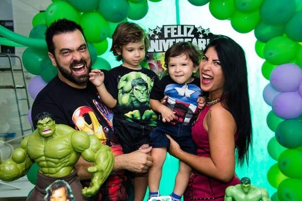 Priscila Pires e família (Foto: Divulgação)