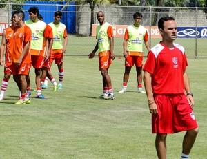 jogadores uberaba treino (Foto: Marco Antônio Astoni)