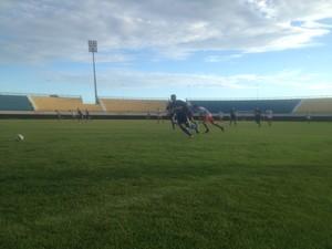 Palmas em amistoso no estádio Nilton Santos (Foto: Edson Reis/GloboEsporte.com)