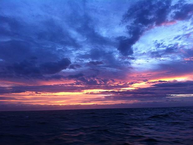 Jovem também fez registros do nascer e do por do sol durante a viagem de barco (Foto: Facebook/Reprodução/Florence Renault)