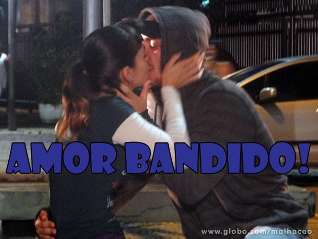 Quem shippa esse love bandido, hein? Curte o casal #KiSal? (Foto: Malhação / Tv Globo)
