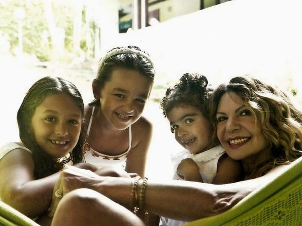 Mãe das três Marias, Elba diz que adotar é ato de amor (Foto: Arquivo pessoal)