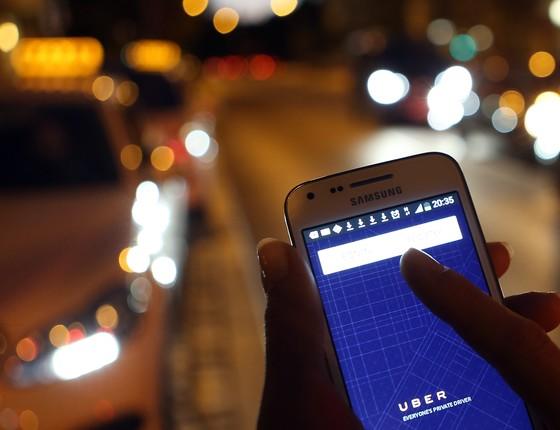Em Curitiba, táxis poderão voltar a ter exclusividade no serviço de transporte individual de passageiros (Foto: Getty Images)