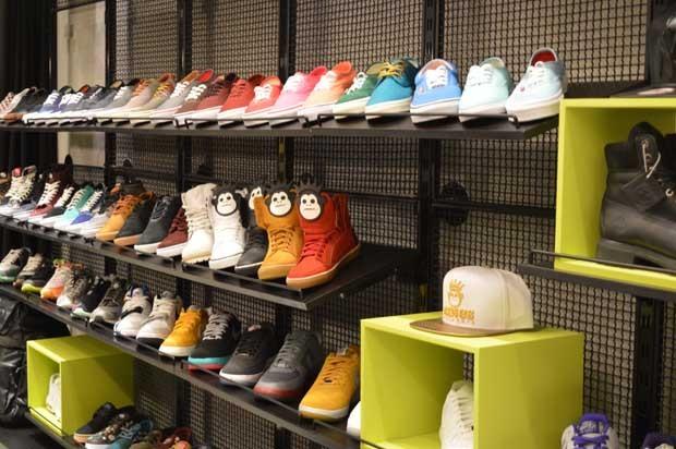 Hoje, a Kings Sneakers comercializa mais de 40 marcas de tênis entre  nacionais e internacionais 4aab756510