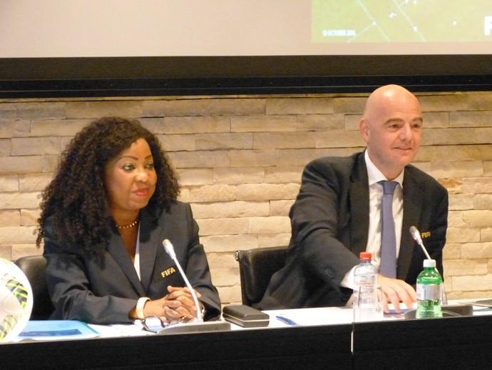 Gianni Infantino, presidente da Fifa, e a nova secretária-geral, Fatma Samoura (Foto: Vicente Seda)