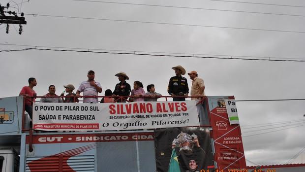 Silvano Alves, campeão de rodeio nos EUA (Foto: Elton Rodrigues/TV Tem)