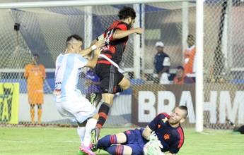 """Toninho vê setor defensivo forte, mas cobra ataque: """"Tem que melhorar"""""""