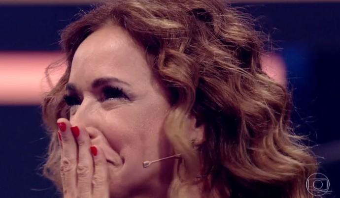 Daniela Mercury não segura o choro ao ver os filhos (Foto: TV Globo)