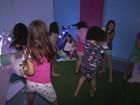 Empresária faz sucesso organizando festas do pijama para crianças