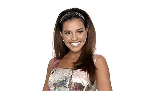 Mariana Rios mostra como dar mais volume ao cabelo liso