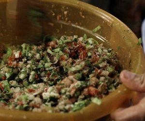 Receita de tabule: salada árabe de triguilho