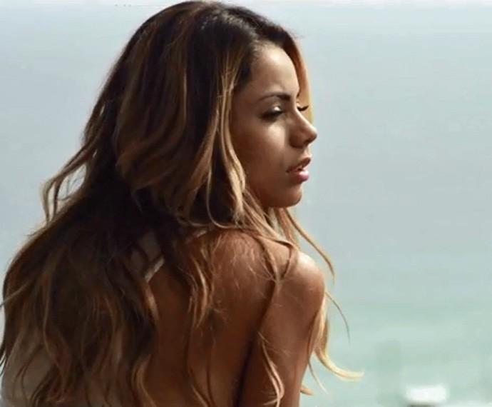 Lexa na versão romântica para seu novo clipe (Foto: Divulgação)