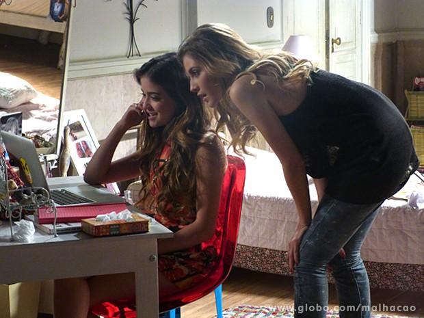 Sofia fica de boca aberta ao ver foto de Edgar no computador (Foto: Malhação / TV Globo)