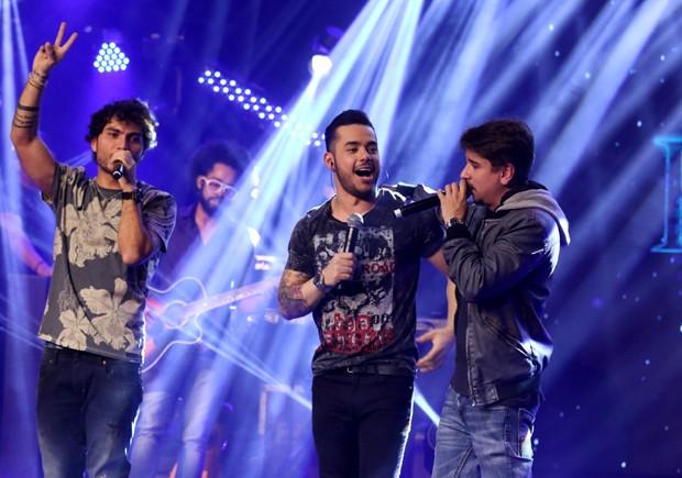 Bruninho e Davi cantam com Higor Rocha (Foto: Thiago Duran/AgNews)