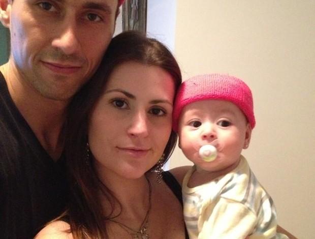 Fúlvio, esposa e filha em mensagem de Natal (Foto: Reprodução/ Twitter)