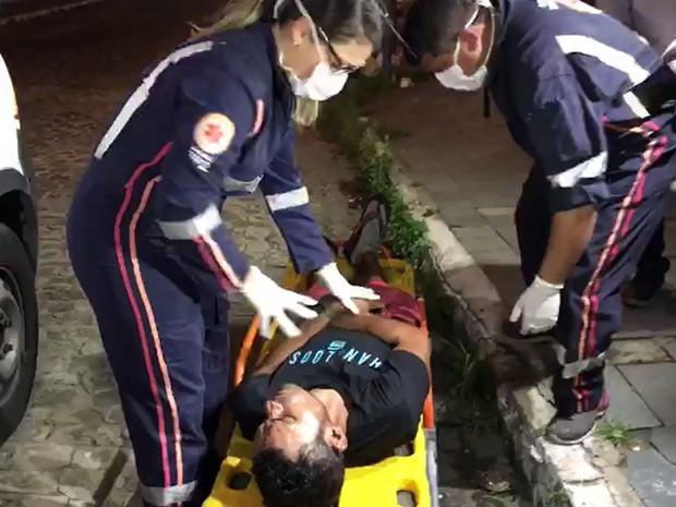 Homem foi socorrido pelo Samu e encaminhado para o Hospital de Trauma de João Pessoa (Foto: Walter Paparazzo/G1)