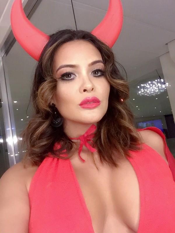 Geisy Arruda se veste de diabinha sexy para o Carnaval: 'Perigosa'