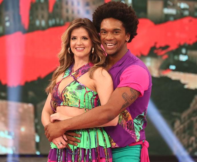Mariana Santos e Marcus Lobo embalam ao som da lambada (Foto: Carol Caminha / Gshow)