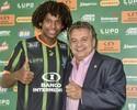 Atacante Wiliam Barbio vai passar por exames e se aproxima do Joinville