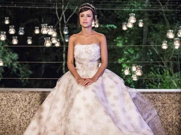 Andreia confessa que nunca sonhou em se casar vestida de noiva (Foto: Raphael Dias/Gshow)