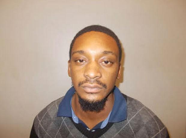Kenneth Bell foi preso por esconder drogas na fralda da filha de 2 anos (Foto: Irondale Police Dept/Reuters)