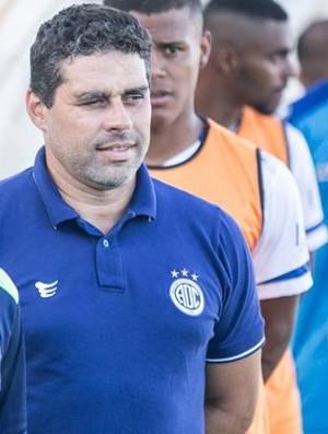 Leandro Sena, técnico do Confiança (Foto: Filippe Araújo)