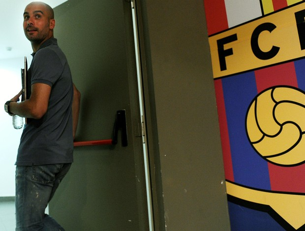 Josep Guardiola coletiva Barcelona (Foto: AFP)