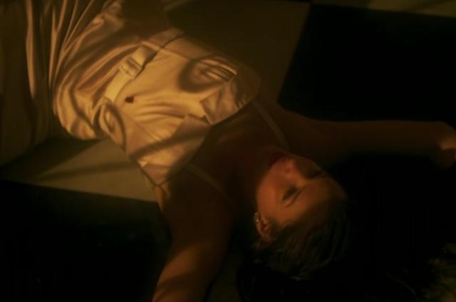 Bruna Marquezine em cena de 'Nada será como antes' (Foto: Reprodução/TV Globo)