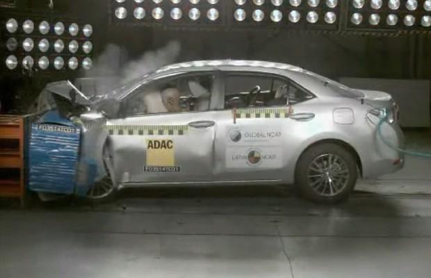 Toyota Corolla testado pelo Latin NCAP (Foto: Reprodução)