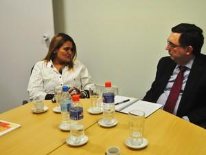 Prefeita esteve em São Paulo para a reunião (Foto: Marcos Costa / Prefeitura de Peruíbe)