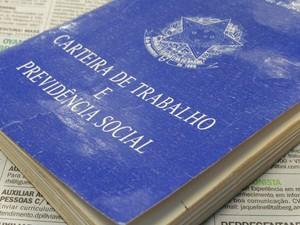 Carteira de trabalho (Foto: Marcos Santos/ USP Imagens)