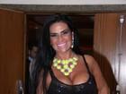 Oi?! Solange Gomes usa vestido transparente em evento no Rio