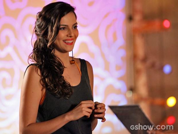 Marina recebe Verônica no estúdio (Foto: Carol Caminha/ TV Globo)