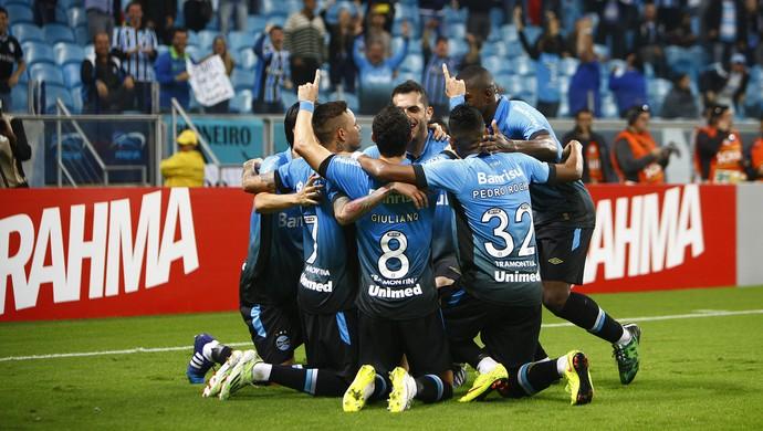 Jogadores do Grêmio comemoram contra o Corinthians (Foto: Lucas Uebel / Grêmio, DVG)