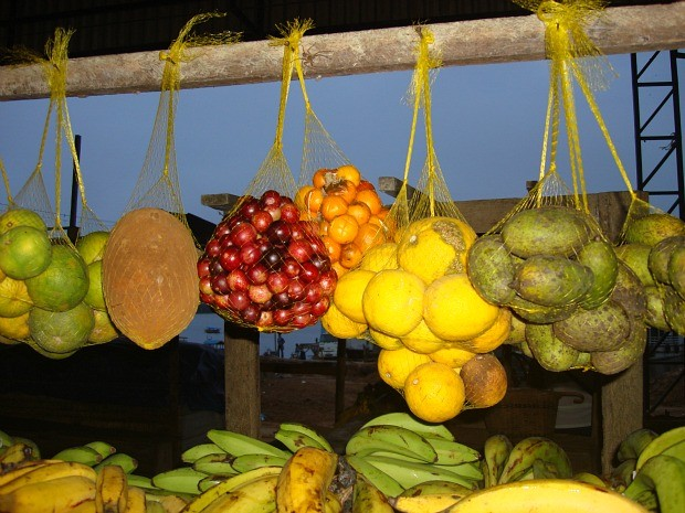Fruta &#233; comercializada em Tabatinga (Foto: Kaoru Yuyama)