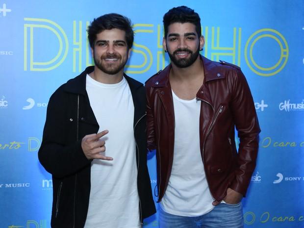 Bernardo Mesquita e Dilsinho em evento na Zona Oeste do Rio (Foto: Roberto Filho/ Brazil News)