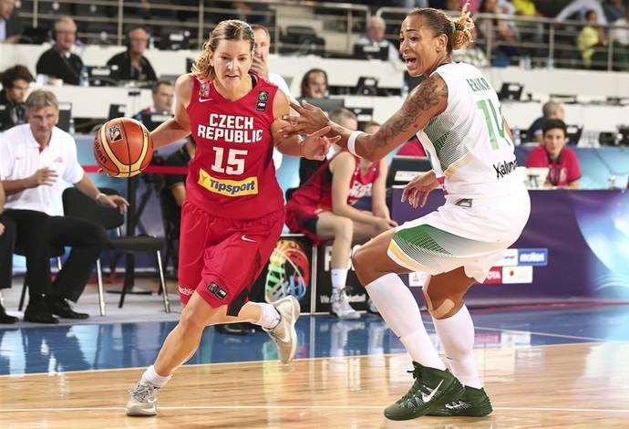 erika brasil x republica tcheca mundial basquete (Foto: Divulgação/FIBA)