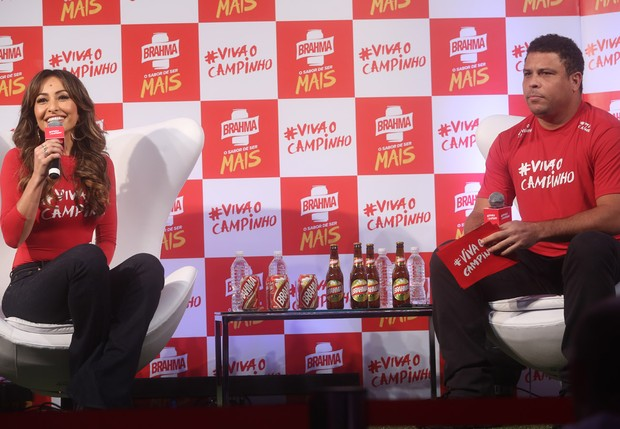 Sabrina Sato e Ronaldo (Foto: Iwi Onodera / EGO)