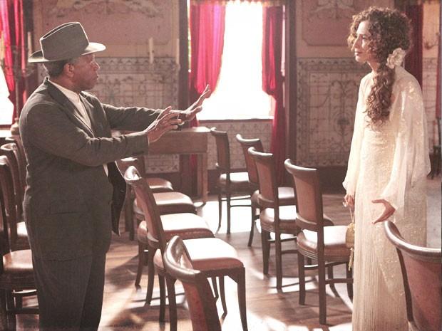Afonso renega Isabel mais uma vez (Foto: Lado a Lado / TV Globo)