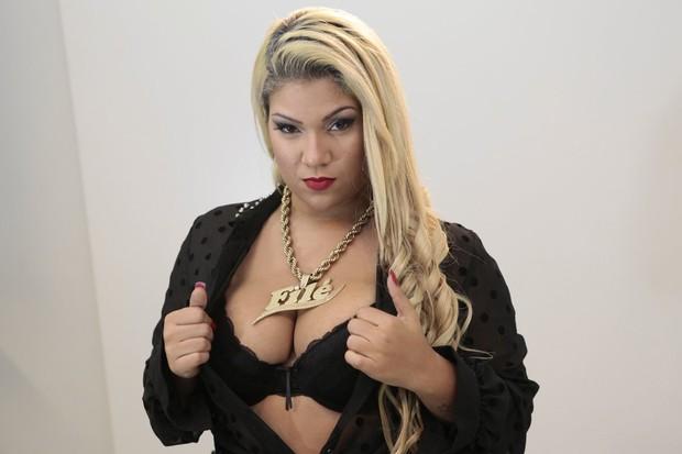 Mulher Filé grava clipe no Rio (Foto: Isac Luz/ EGO)