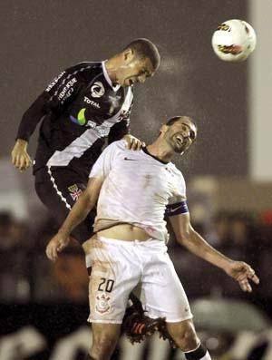 Vasco x Corinthians (Foto: Marcelo Theobald / Agência O Globo)