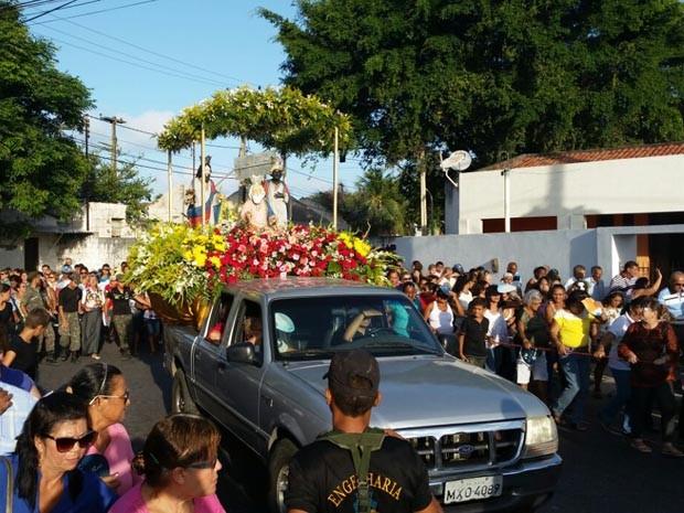 Procissão de Santos Reis começou por volta das 16h (Foto: Antônio Coelho/Inter TV Cabugi)