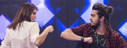 Luan Santana e Camila Queiroz pedem músicas