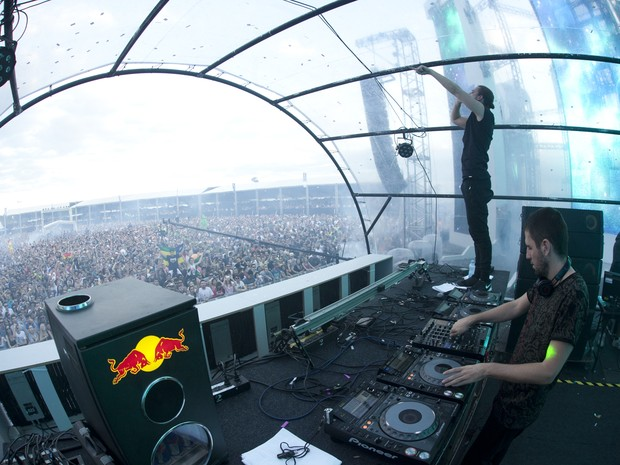 Dimitri Vegas & Like Mike comandar a última noite do Dream Valley Festival. (Foto: Adriel Douglas)