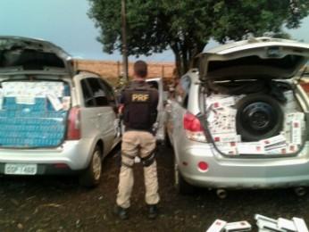 Um dos carros apreendido com cigarro havia sido roubado em Porto Alegre (RS) (Foto: Polícia Rodoviária Federal / Divulgação)