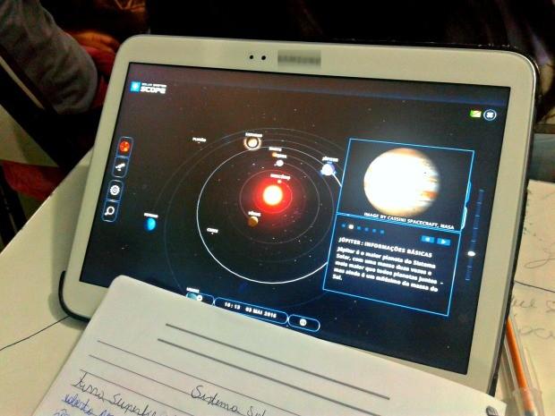 Aplicativo é usado por professora para deixar aula de geografia mais dinâmica (Foto: Arquivo Pessoal)