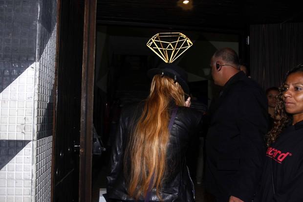 Lindsay Lohan na entrada da boate em São Paulo (Foto: Paduardo/Ag News)