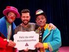 Marcos, da dupla com Belutti, curte  folga na agenda de shows em circo
